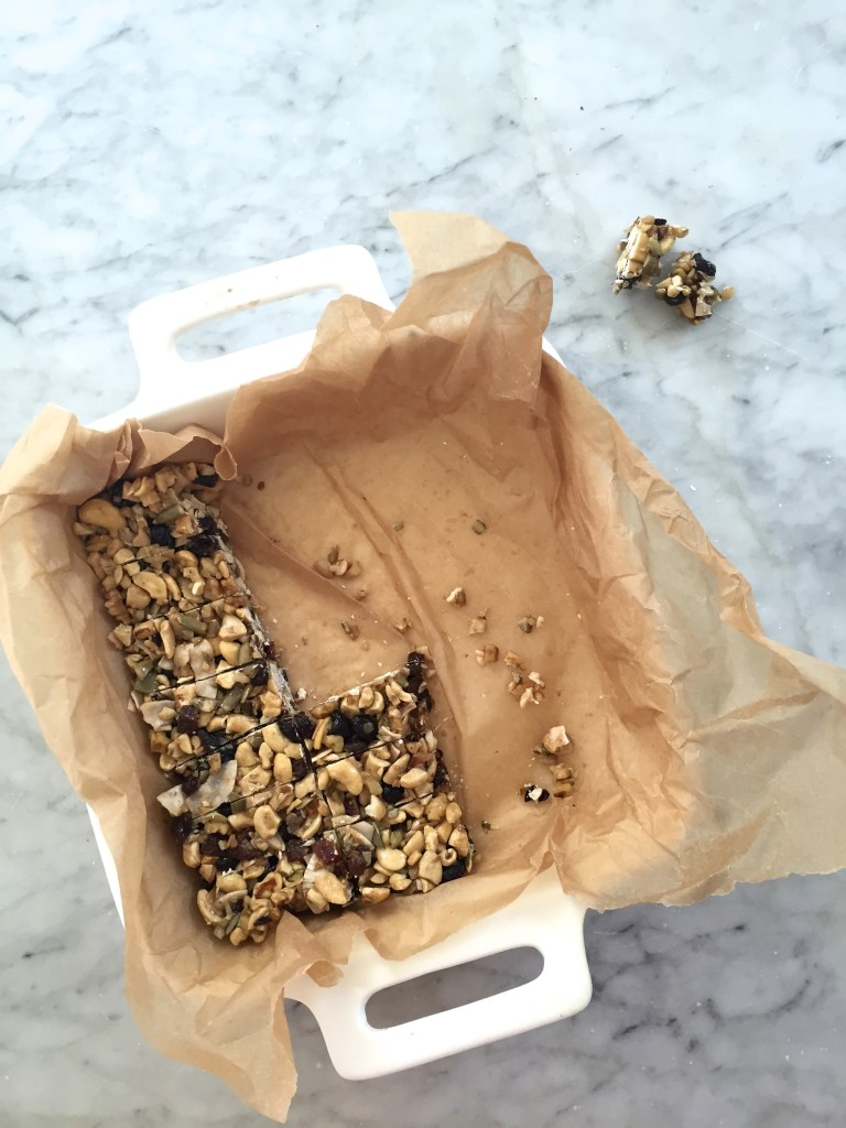 Grain Free Vanilla Apricot Granola Bars via Simply Real Health // My latest obsession and gluten free, dairy free, grain free! And such a perfect snack.