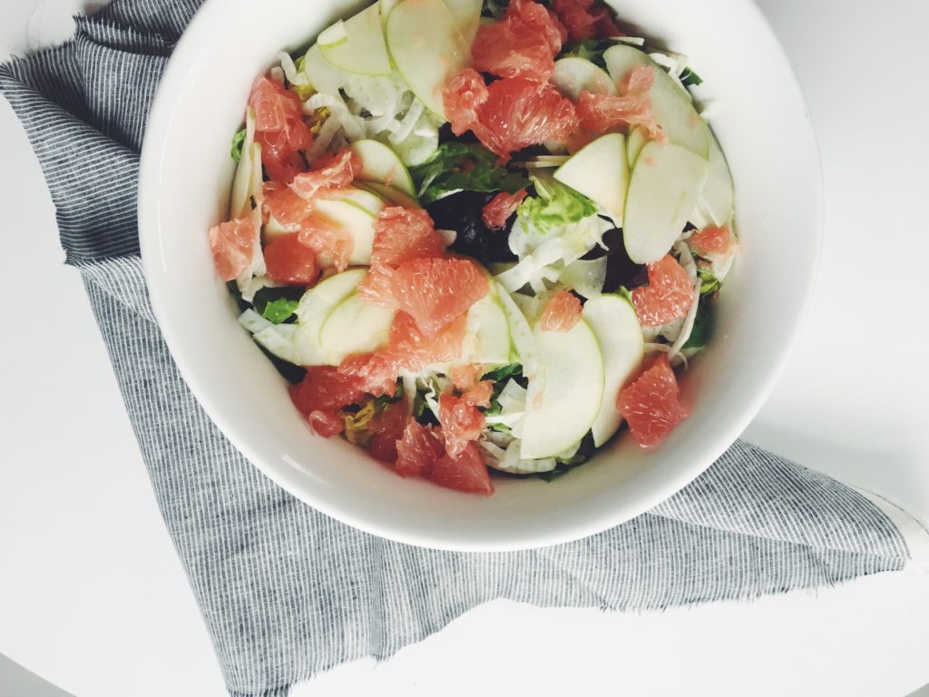 Apple, Fennel + Grapefruit Salad with Mint Poppyseed Dressing via @simplyrealhealth