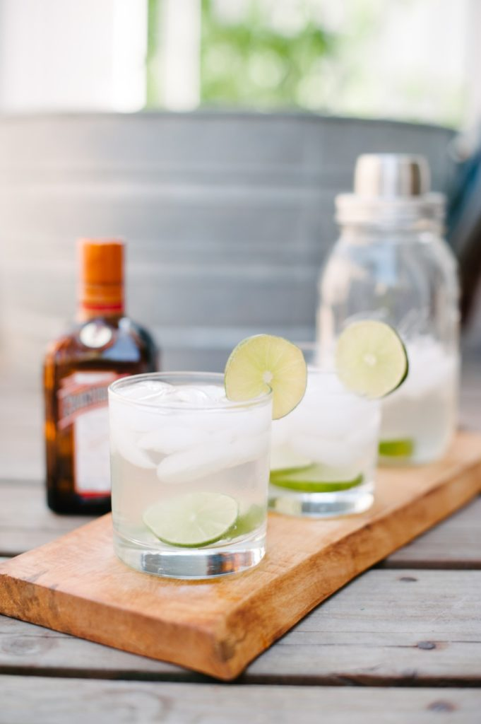 The best skinny (healthy) margarita of your life! via @simplyrealhealth and The Simply Real Health Cookbook