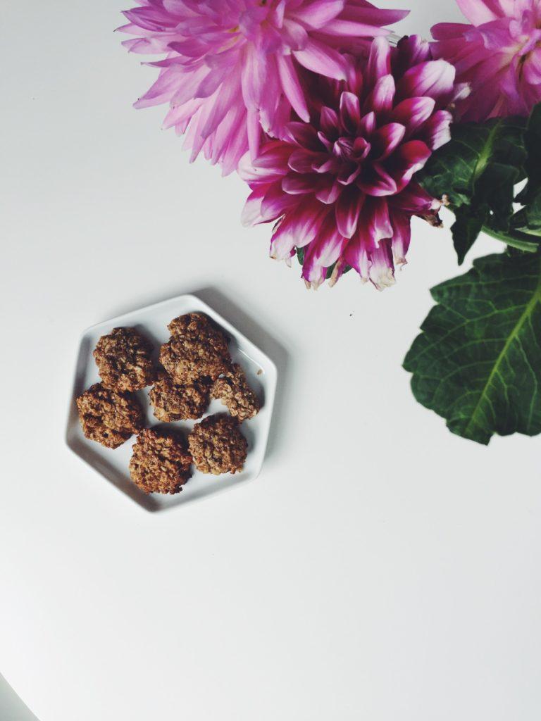 Honey Butter + Oatmeal Cookies (GF) via @simplyrealhealth.com