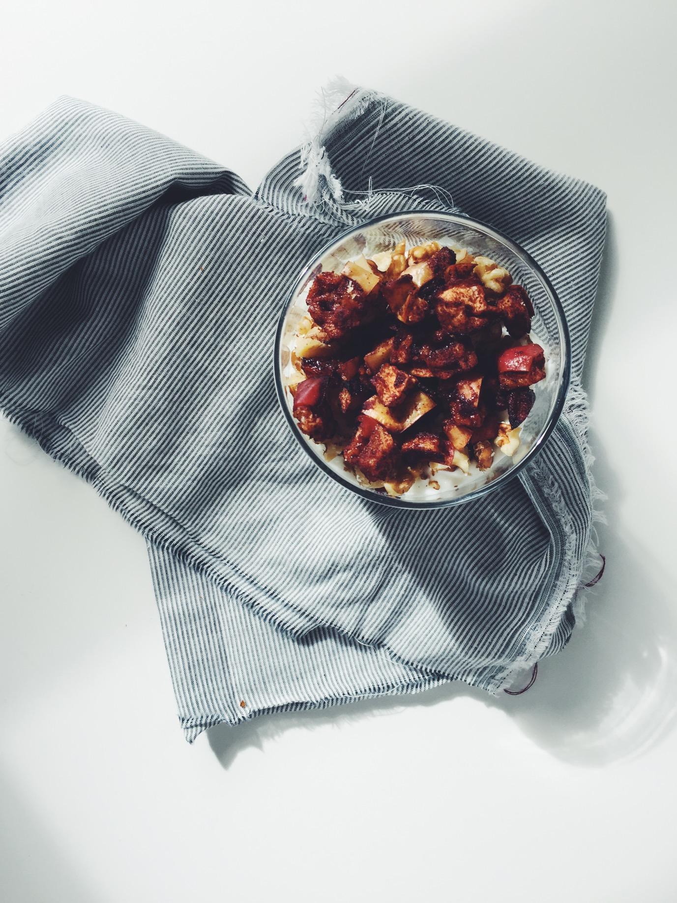 Roasted Apple + Walnut Parfait Bowls via @simplyrealhealth. Super easy and #glutenfree #breakfast!