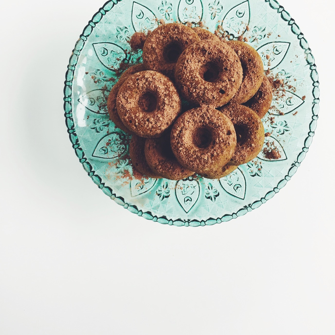 Mini matcha doughnuts (GF) via @simplyrealhealth